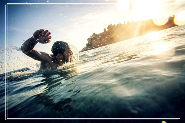 妈妈梦见我和我爱的男人裸体游泳